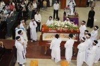 Giao dan Tân Thái Sơn tham dự nghi thức tháo đinh -thứ sáu Tuần Thánh