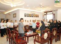 Các Dì Dòng MTG Tân Việt cộng đoàn TTS Chúc Tết Cha xứ và Cha phụ tá.