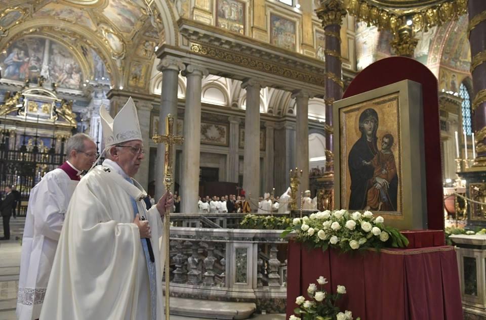 ĐTC CÔNG BỐ THÊM MỘT LỄ BẬC NHỚ VỀ ĐỨC MẸ: ĐỨC MARIA MẸ GIÁO HỘI